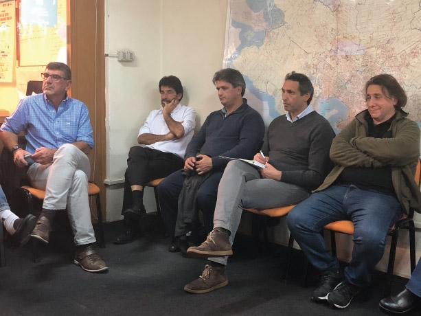 Reunión por obras en escuelas Grecia y Dardo Ortiz.
