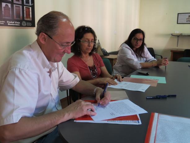 Convenio entre IM y FOEB - Juan Tons y Mariella Mazzotti
