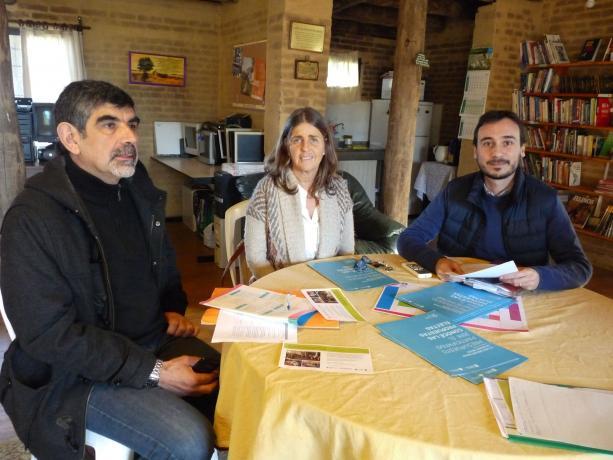 Miguel Pereira e integrantes de ONG Por los niños uruguayos