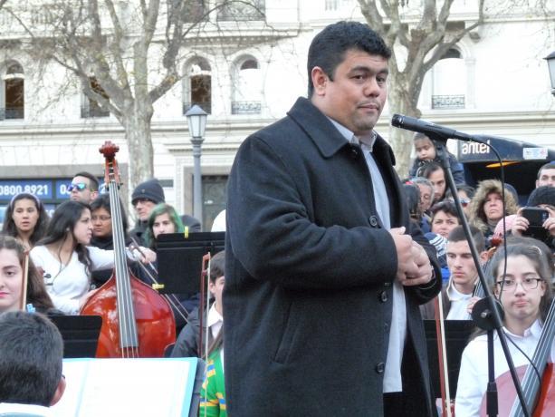 Director del Sistema de Orquestas Infantiles: Ariel Britos