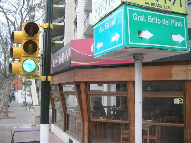Instalación de semáforos en Av. Brasil y Brito del Pino