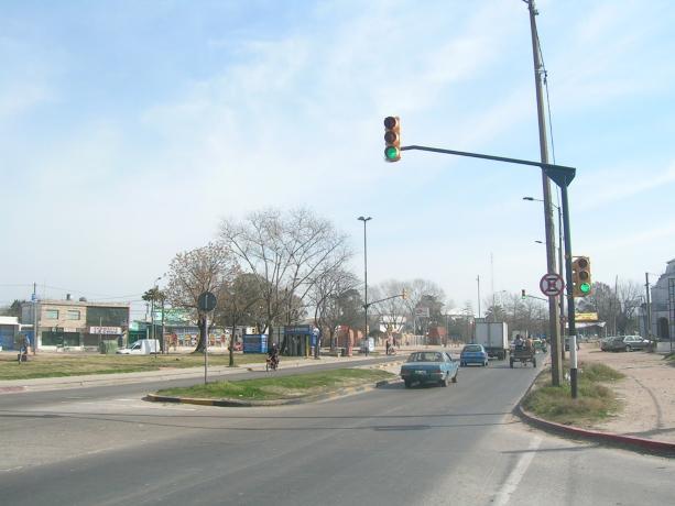 Semáforos en Av. Bolivia y Cno. Carrasco
