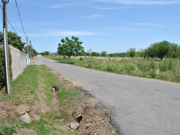 Continuación y apertura de Calle Pintín Castellanos hacia Av. Luis Batlle Berres