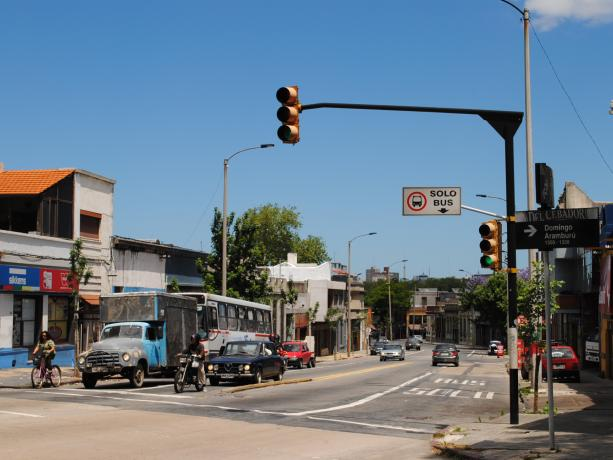 Semáforos en Millán y Santa Fe