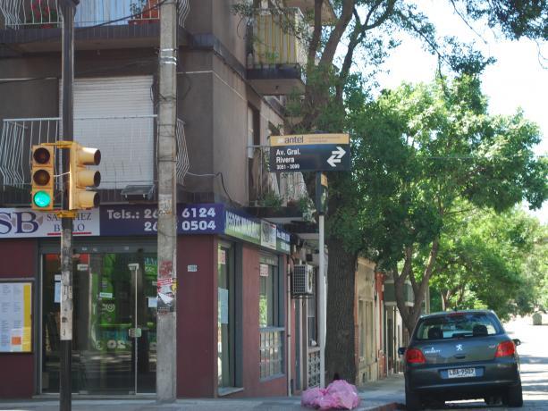 Semáforos en Rivera y 14 de Julio