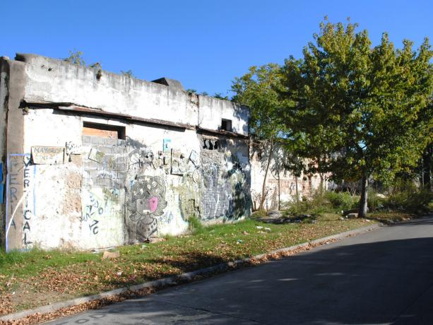 Espacio público en calle Pereira Rosell