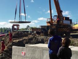 Construcción de dovela en el asentamiento Aquiles Lanza. Foto: IM.